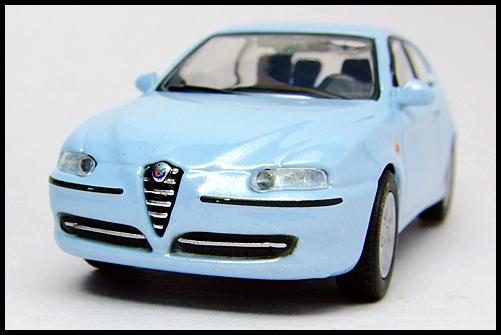 KYOSHO_Alfa_Romeo_147_blue_2