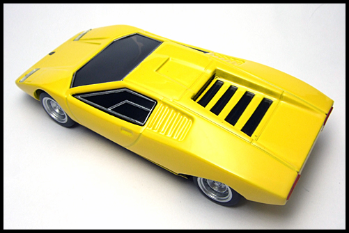 BOSS_Lamborghini_Minicar_Selection_Countach_LP500_11