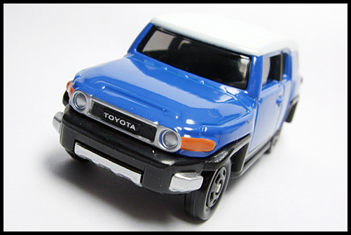 TOMICA_85_TOYOTA_FJ_CRUISER_FIRST_4