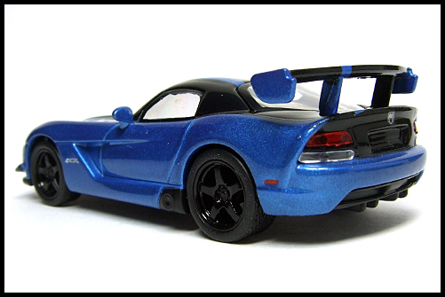 KYOSHO_USA_2_Dodge_Viper_SRT10_ACR_BLUE_13