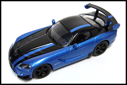 KYOSHO_USA_2_Dodge_Viper_SRT10_ACR_BLUE_15