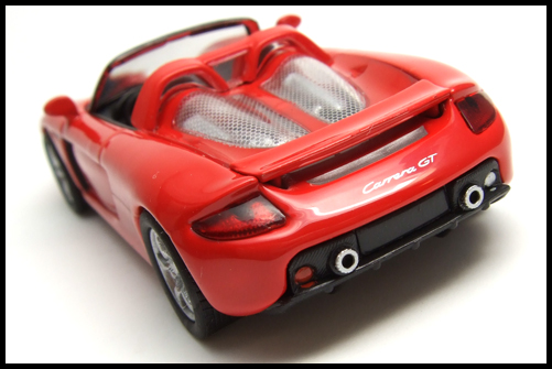 KYOSHO_PORSCHE_CARRERA_GT_RED_6