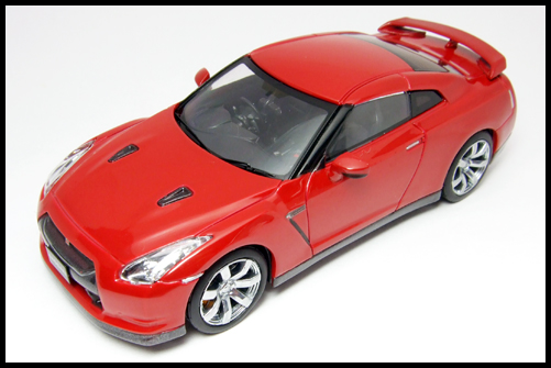 KYOSHO_NISSAN_GT-R_R35_RED6