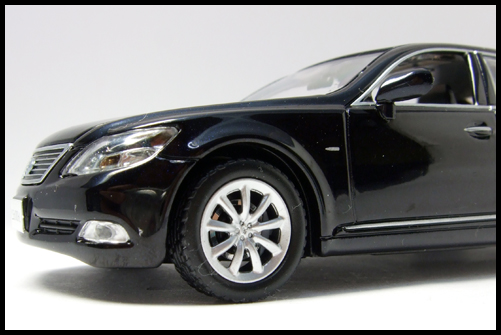 KYOSHO_J-Collection_Lexus_LS600hL26