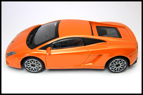 RASTAR_Lamborghini_GALLARDO_LP560-4_13