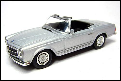 KYOSHO_Mercedes-Bentz_Typ_280_SL_Silver_16