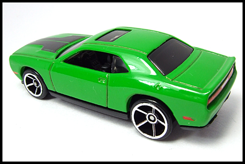 HotWheels_2008_First_Edition_Dodge_Challenger_SRT8_8