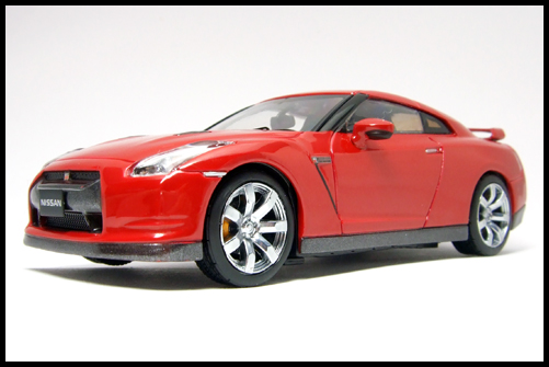 KYOSHO_NISSAN_GT-R_R35_RED5