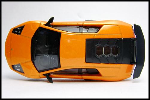 KYOSHO_Lamborghini_3_Murcielago_SV_Orange6