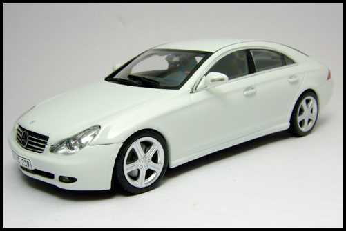 MINICHAMPS_Mercedes_Benz_CLS_Klass_Limited_Edition_2008_2