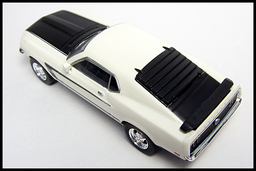 KYOSHO_USA2_Ford_Mustang_BOSS_302_9