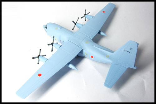 Wing_of_great_machine_C-130_4
