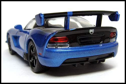 KYOSHO_USA_2_Dodge_Viper_SRT10_ACR_BLUE_12