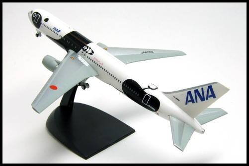 F-Toys_ANA_WING_COLLECTION4_767-300_Panda_3
