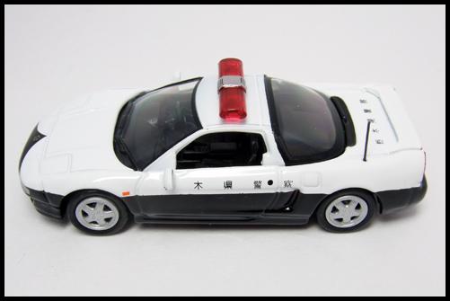 KYOSHO_POLICE_CAR_HONDA_NSX17