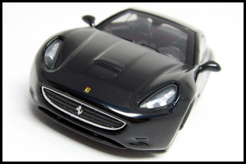 KYOSHO_FERRARI_7_NEO_California_Black_3