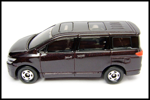 TOMICA_NISSAN_ELGRAND_14