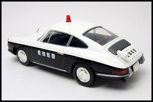 TOMICA_LIMITED_VINTAGE_Porsche_912_11