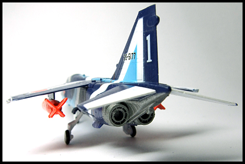 F-Toys_JASDF_Collection_Special_T-2_BlueImpulse_18