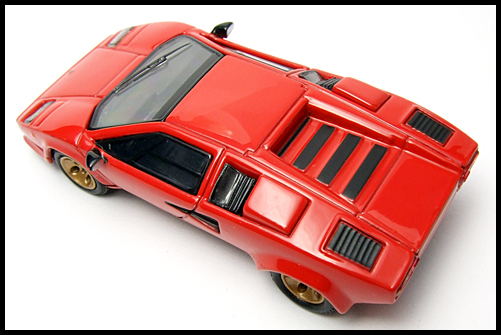 POST_HOBBY_KYOSHO_Lamborghini_Countach_LP400S_RED_10