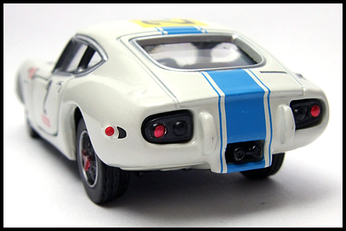 TOMICA_LIMITED_TOYOTA_2000GT_2MODELS_FIRST_15