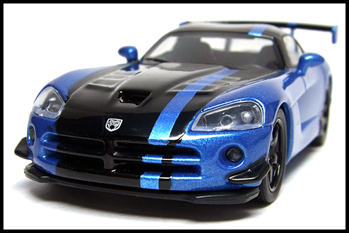 KYOSHO_USA_2_Dodge_Viper_SRT10_ACR_BLUE_3