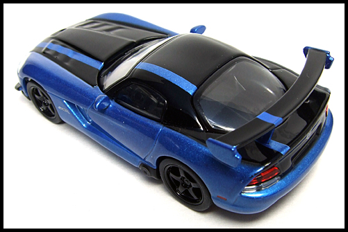 KYOSHO_USA_2_Dodge_Viper_SRT10_ACR_BLUE_9