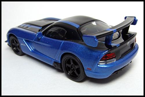KYOSHO_USA_2_Dodge_Viper_SRT10_ACR_BLUE_11