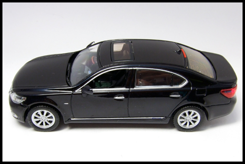 KYOSHO_J-Collection_Lexus_LS600hL6