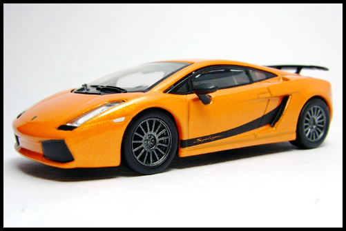 KYOSHO_Lamborghini_3_Gallardo_Superleggera_Orange_16
