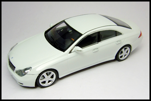 MINICHAMPS_Mercedes_Benz_CLS_Klass_Limited_Edition_2008_18