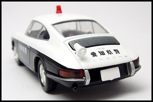 TOMICA_LIMITED_VINTAGE_Porsche_912_14