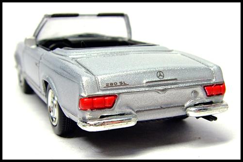 KYOSHO_Mercedes-Bentz_Typ_280_SL_Silver_12
