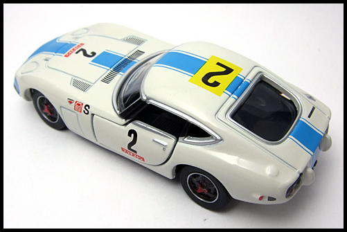 TOMICA_LIMITED_TOYOTA_2000GT_2MODELS_FIRST_12