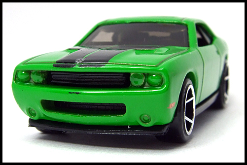 HotWheels_2008_First_Edition_Dodge_Challenger_SRT8_4