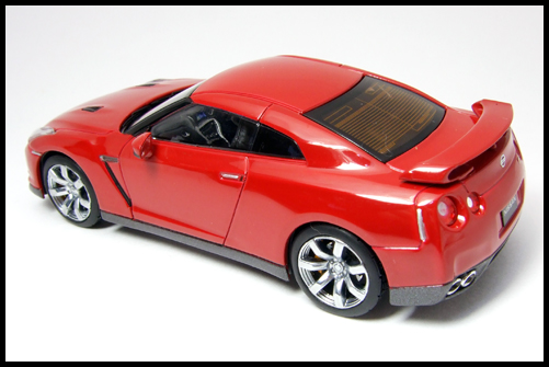 KYOSHO_NISSAN_GT-R_R35_RED17