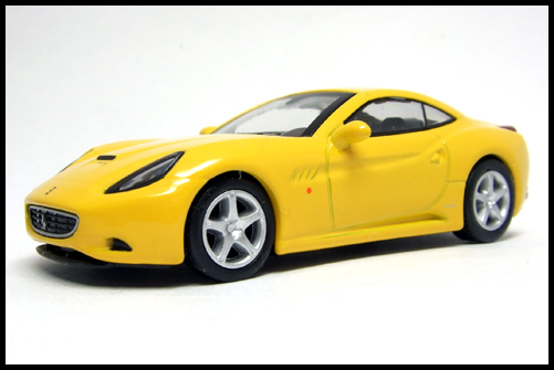 KYOSHO_FERRARI_7_NEO_California_Yellow_3