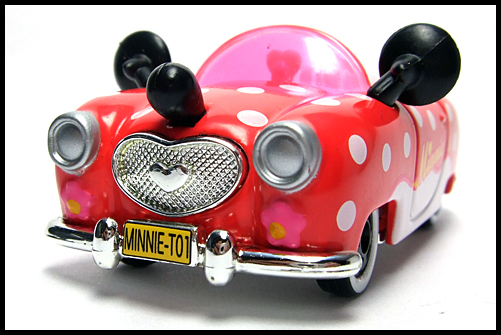 TOMICA_Disney_Minnies_Convertible_2011_3