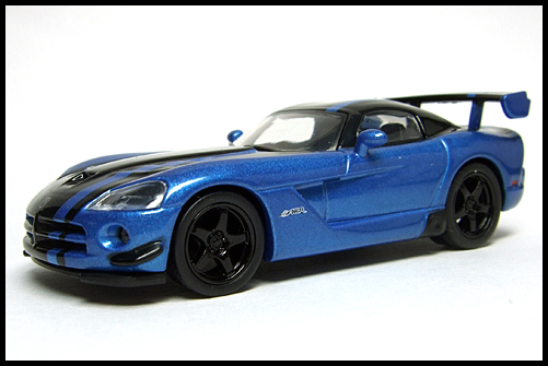 KYOSHO_USA_2_Dodge_Viper_SRT10_ACR_BLUE_2
