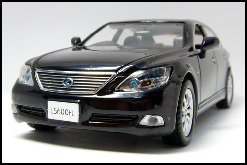 KYOSHO_J-Collection_Lexus_LS600hL11