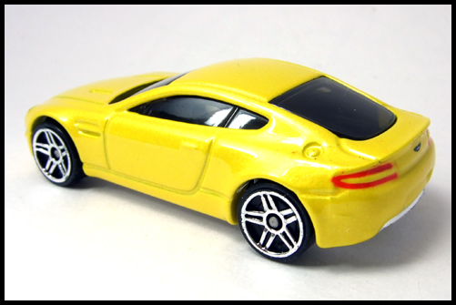 HotWheels_2005_FIRSTEDITIONS_ASTONMARTIN_VANTEGE9