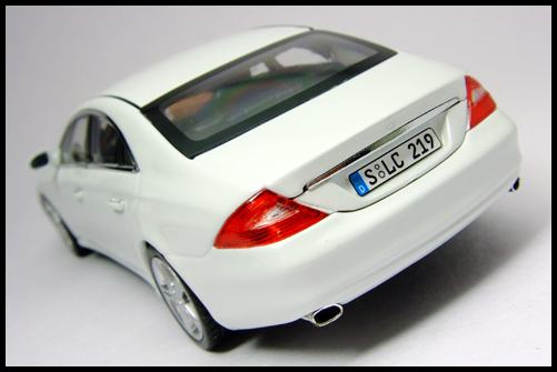 MINICHAMPS_Mercedes_Benz_CLS_Klass_Limited_Edition_2008_16