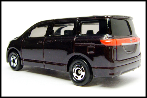 TOMICA_NISSAN_ELGRAND_13