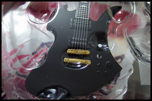 hide_Guitar_Collection_12