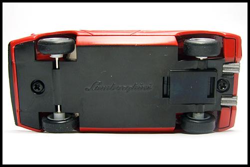 BOSS_Lamborghini_SuperCar_Collection_Countach_LP400_6