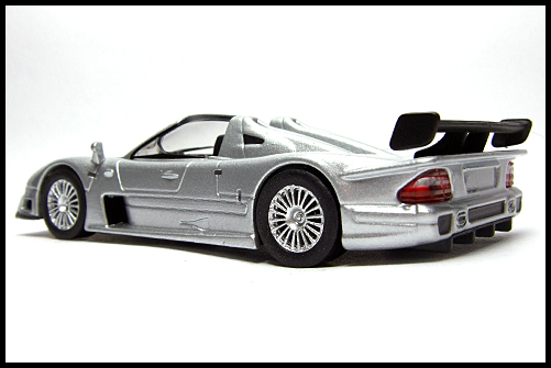 KYOSHO_AMG_Minicar_Collection_CLK_GTR_Roadster_Silver_12