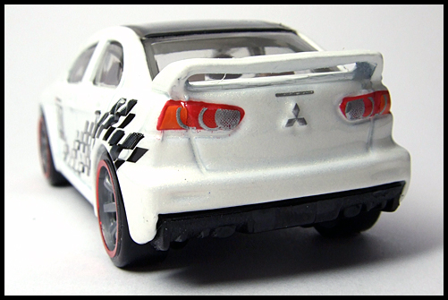 HotWheels_SPPED_MACHINES_MITSUBISHI_LANCER_EVOLUTION_12