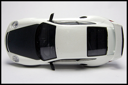 KYOSHO_PORSCHE_911_GT2_RS_WHITE_PEARL_5