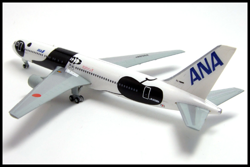 F-Toys_ANA_WING_COLLECTION4_767-300_Panda_7