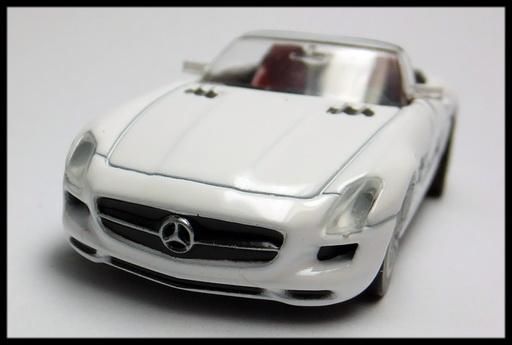GEORGIA_Mercedes-Benz_SLS_AMG_Roadster_7